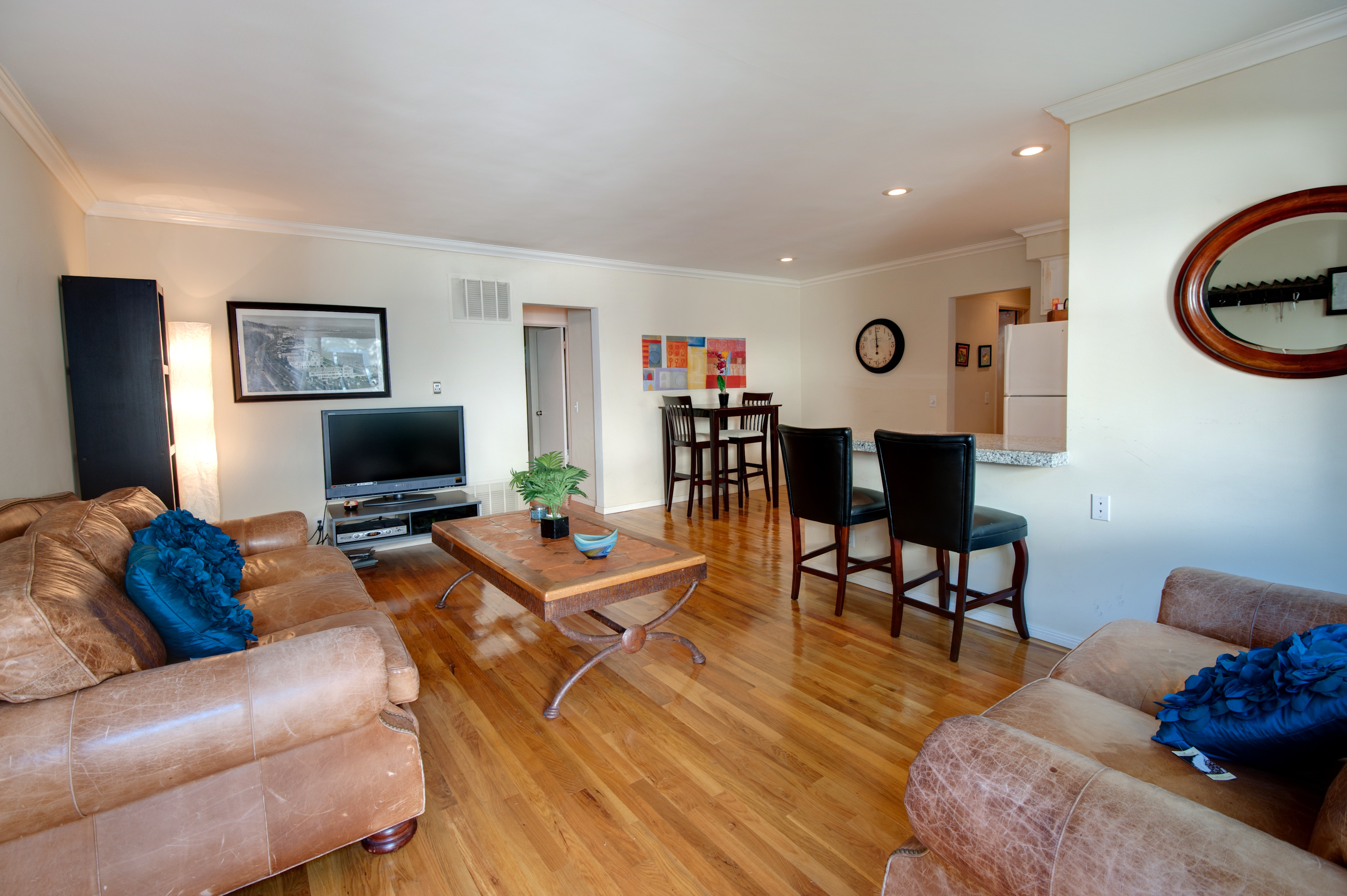 Condo for sale condos and homes for sale in santa monica for Homes for sale in los angeles area